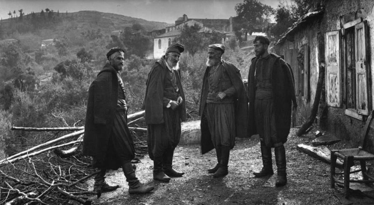 Κρήτη, οι αδελφοί Μάντακα στο χωριό Λάκκοι 1911