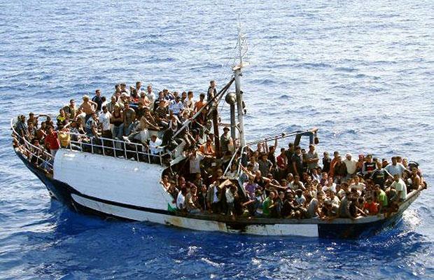 Image result for καραβια με μεταναστες