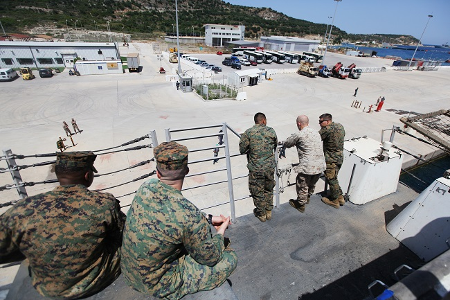 22nd Marine Expeditionary Unit trains with Greek military
