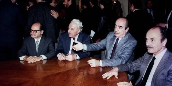 22 Νοέμβρη 1989: Η Οικουμενική Κυβέρνηση Ζολώτα | Φωτός + Βίντεο