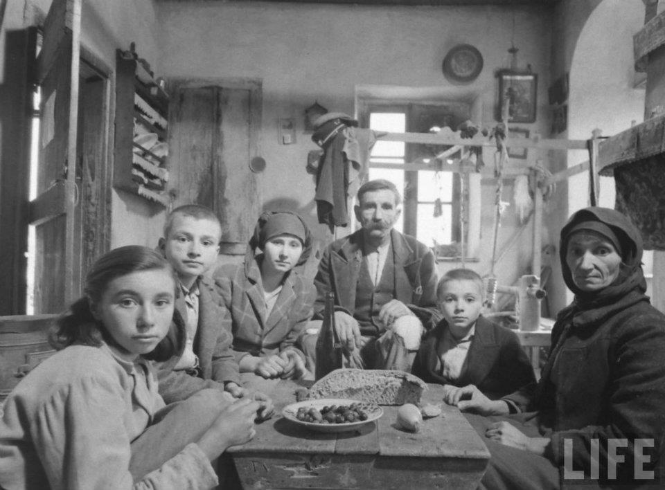 Φωτογράφος: Dmitri Kessel, 1948