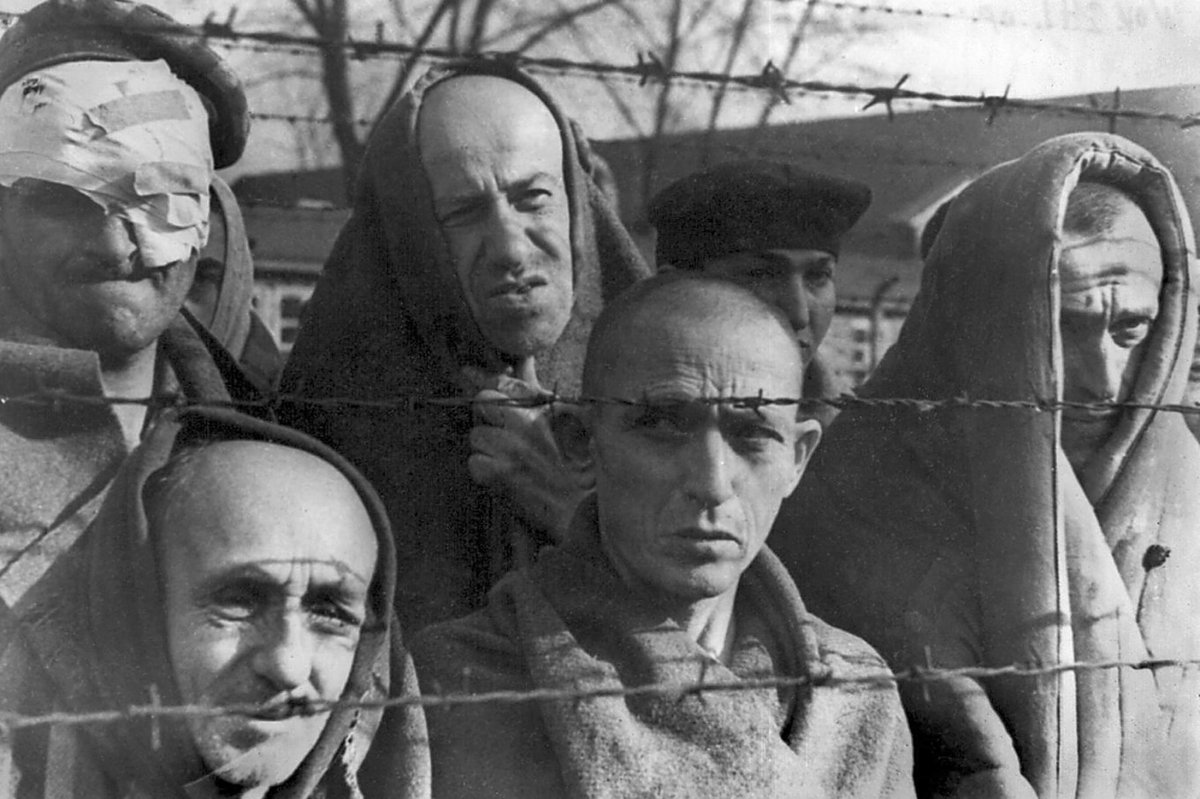 Auschwitz-concentration-camp-nazi-1