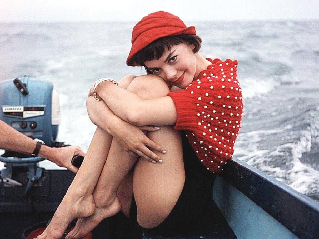 Natalie-Wood-classic-movies-9373798-1900-2394