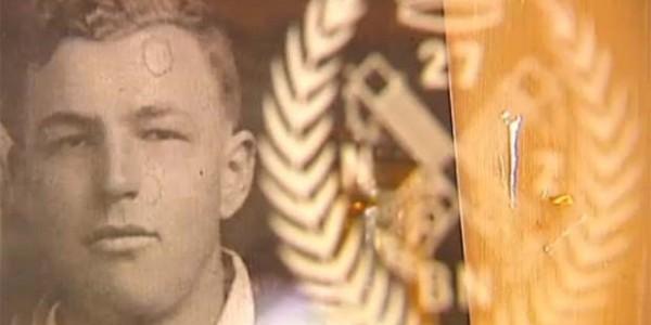 Μια απίθανη ιστορία: Σκοτώθηκε στη Μάχη της Κρήτης και η μπύρα που δεν πρόλαβε να πιει έγινε μνημείο!   Φωτός