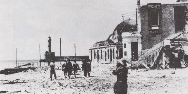 Σπάνια ντοκουμέντα: Τα βομβαρδισμένα Χανιά από τους ναζί Γερμανούς | Φωτός