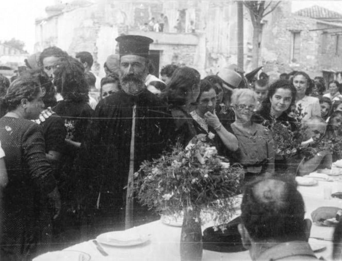 Gianis Despotakis ΓΑΛΑΤΑΣ ΧΑΝΙΩΝ 29 Σεπτεμβρίου 1945. Ο παππας Βασίλειος Ρουμελιωτακης βοηθησε του Νεοζηλανδους στρατιωτες στη μαχη της Κρητης το 1941