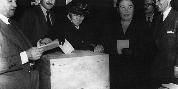 Όταν οι Ελληνίδες απόκτησαν για πρώτη φορά το δικαίωμα του εκλέγεσθαι