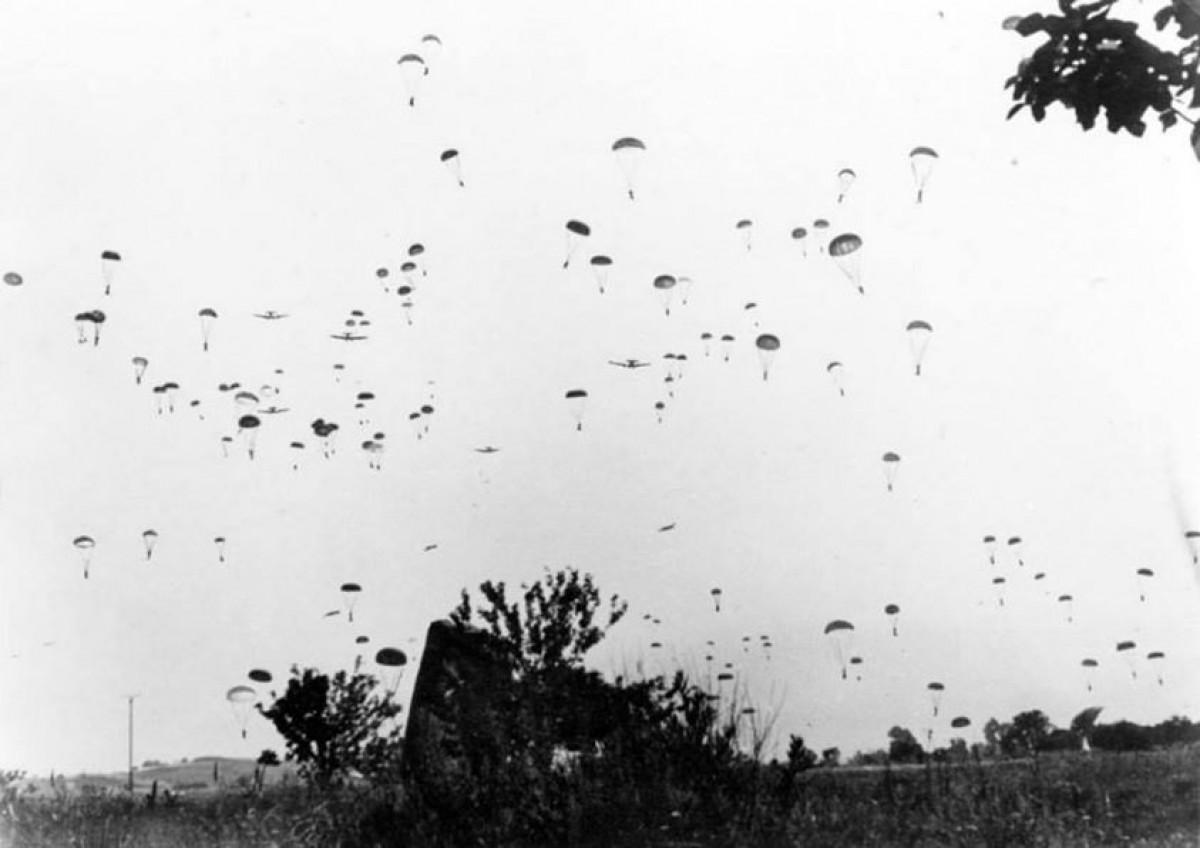 1941 Xανιά. Αλεξιπτωτιστές γέμισαν τον ουρανό