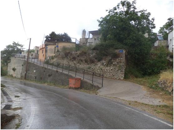 Τμήμα της Καρέ, στην είσοδο του χωριού