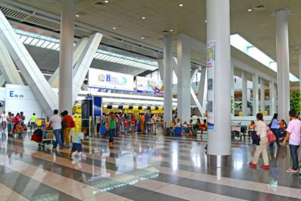 Το αεροδρόμιο Ακίνο στη Μανίλα | © Pindiyath100 | Dreamstime.com