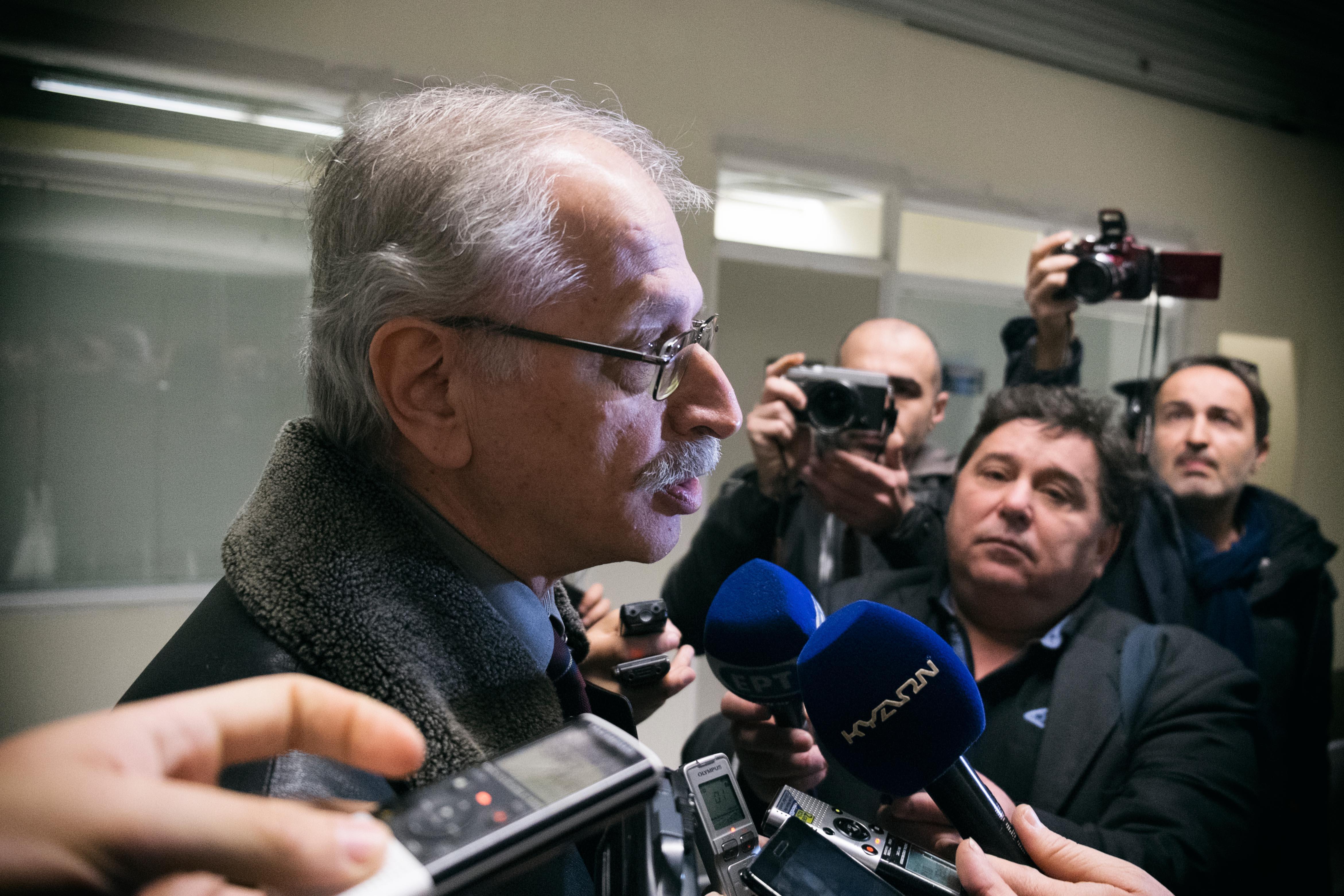 Ο πρόεδρος της ΟΣΥΠΑ κ. Αλεβιζόπουλος κατά τις δηλώσεις του στα μέσα ενημέρωσης