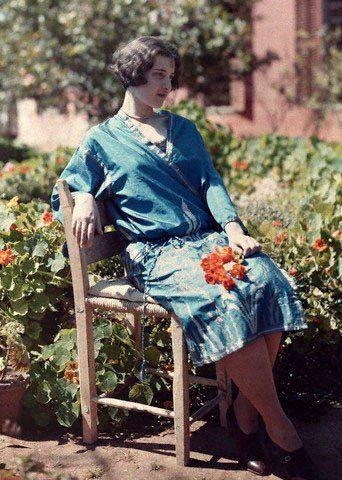 Maynard Owen Williams, 1929, γυναίκα στην Κρήτη με κιμονό