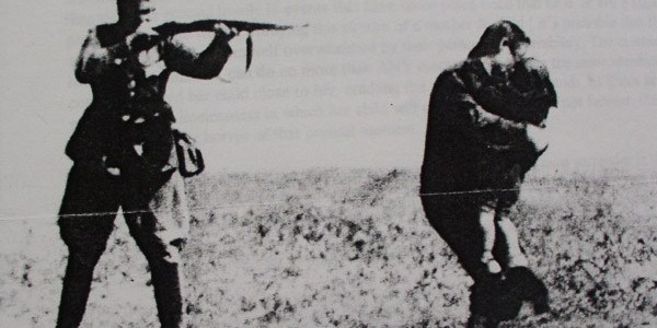 """""""Από τας 940 οικίας των Ανωγείων δεν έχει απομείνει ούτε μία"""": Το Ολοκαύτωμα των Ανωγείων στις 13 Αυγούστου του 1944"""