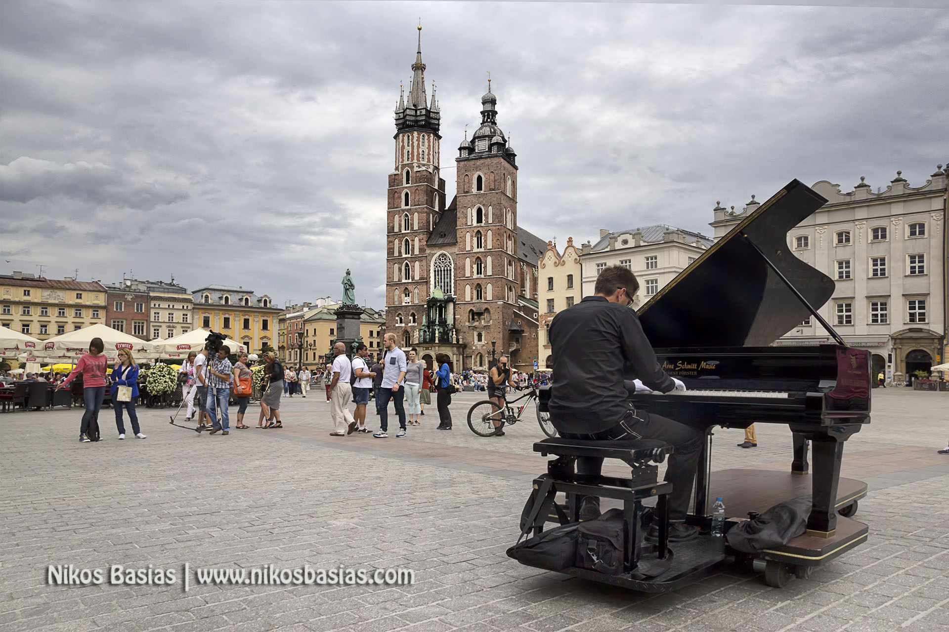 Pianist at Krakow Square