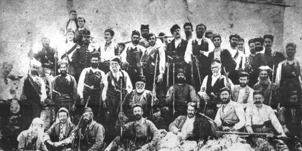 Χαΐνης Τραϊτόρος, ο κρητικός επαναστάτης που οι δολοφόνοι του είπαν στον εξαγριωμένο πασά: «Τέτοιοι άντρες ζωντανοί δεν πιάνονται»   Ακούστε το ριζίτικο