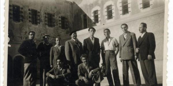 Αύγουστος 1934: Η διεύθυνση των Εγκληματικών Φυλακών Καλαμίου (Ιτζεδίν) πυροβολεί εν ψυχρώ τον κατάδικο Καραβαράκη και καταστέλλει βίαια τη στάση των κρατουμένων!
