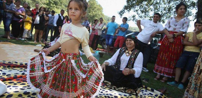 gypsies-dancing-girl-770x375 | Αγώνας της ΚρήτηςΑγώνας της Κρήτης