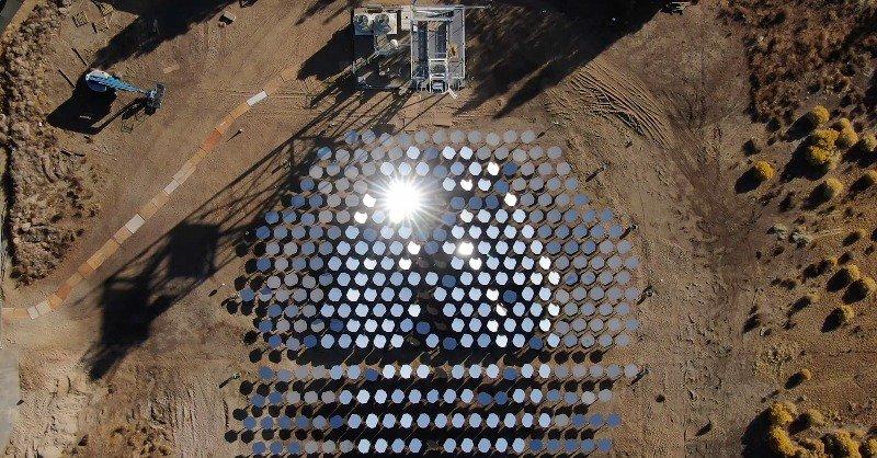 Εταιρεία με τη στήριξη του Μπιλ Γκέιτς υπόσχεται επανάσταση στην ηλιακή ενέργεια – Πιο οικονομική από τα ορυκτά καύσιμα