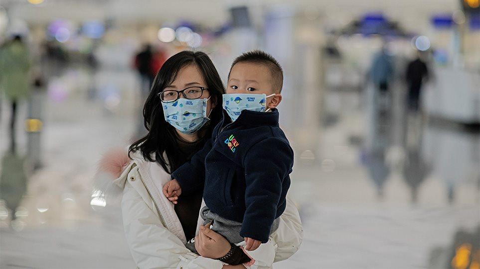 Ψυχραιμία. Ο ιός της γρίπης είναι 10 φορές πιο επικίνδυνος από τον κοροναϊό