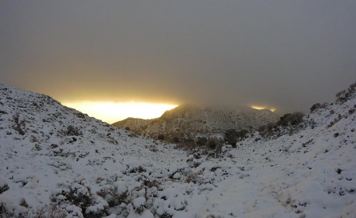 Από τον Ανατολικο Ψηλορειτη, Περιοχη Σελια, Μιτατο Δασος Ρουβα,1350 μέτρα υψομετρο ως τον χιονισμένο Αποκόρωνα, όλη η Κρήτη μια ομορφιά | Φωτός