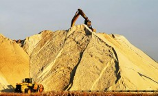 Εξαντλείται ο χρυσός της γης, η άμμος