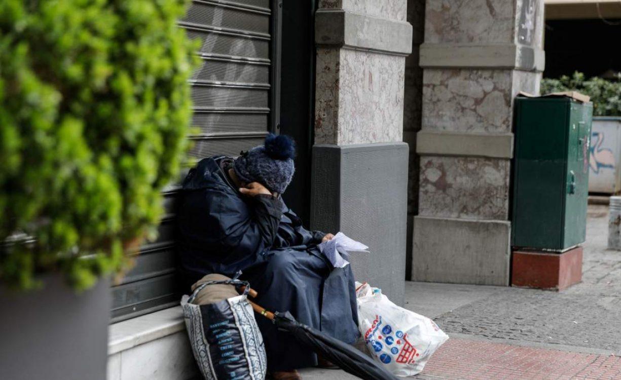 Με 200 ευρώ το μήνα ζει 1 στους 8 – De facto κατάργηση του 8ώρου