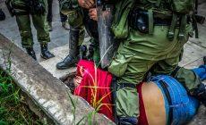 Σχέδιο Χρυσοχοϊδη: Περιορισμένοι σε έναν συγκεκριμένο χώρο οι δημοσιογράφοι κατά τις διαδηλώσεις… «για την ασφάλειά τους»