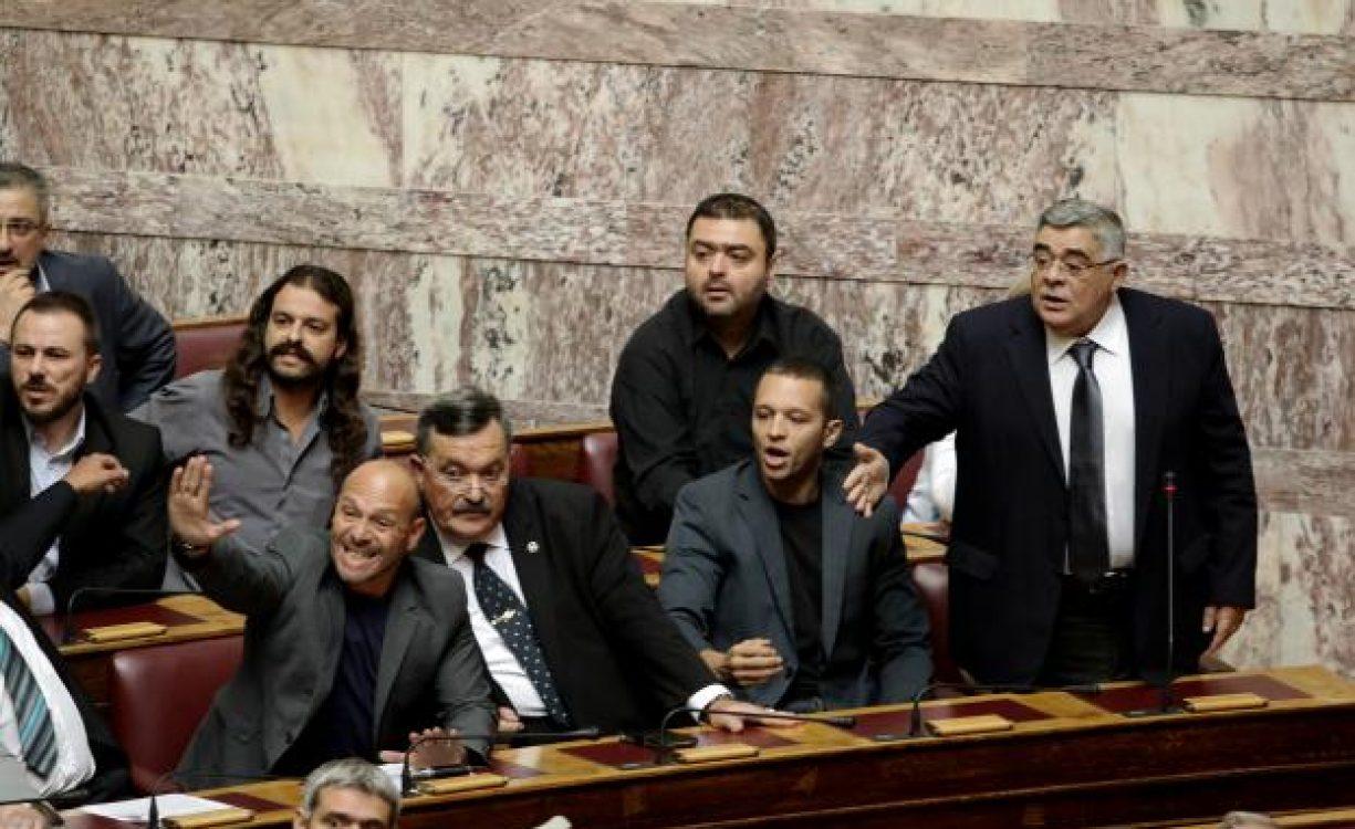 Δίκη Χρυσής Αυγής: Στη φυλακή η ηγετική ομάδα – Απορρίφθηκαν οι αναστολές – Τι δήλωσε ο Μιχαλολιάκος