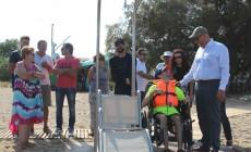 Τοποθετήθηκε η ράμπα κολύμβησης SEATRAC και στην παραλία του Αγ. Ονουφρίου | Φωτός+Βίντεο