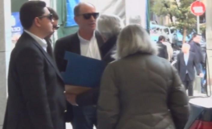 """Γ. Σταθάκης σε αγωνιζόμενους ενάντια σε πλειστηριασμούς: """"Συνεχίστε να κάνετε αυτό τον αγώνα στα Ειρηνοδικεία"""""""