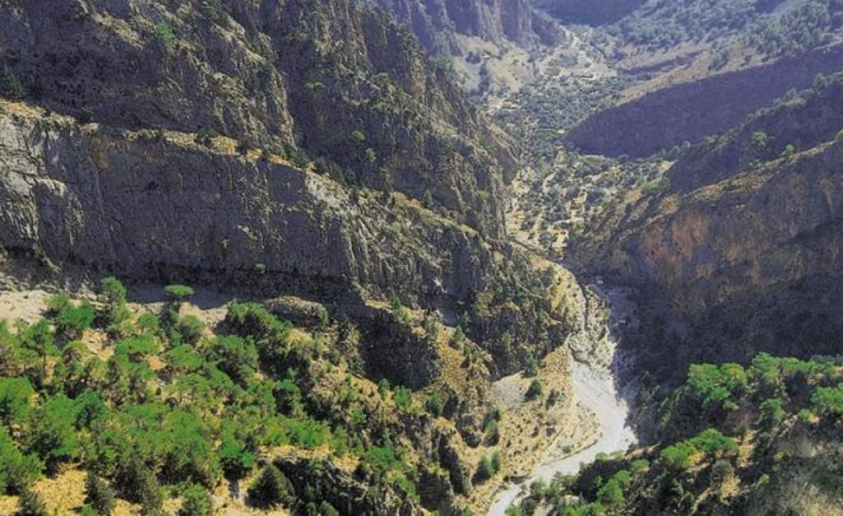 Απεφεύχθη ο κίνδυνος απένταξης: Ο Εθνικός Δρυμός Σαμαριάς παραμένει στα Αποθέματα της Βιόσφαιράς της UNESCO