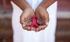 Τελικά πώς μεταδίδεται ο ιός HIV/AIDS, κ. Μιχελογιαννάκη; Οι ειδικοί του ΚΕΕΛΠΝΟ απαντούν