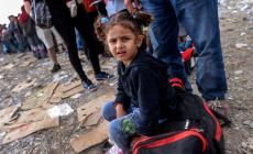 Μουζάλας: Με δόσεις λόγω τουρισμού οι πρόσφυγες στην Κρήτη