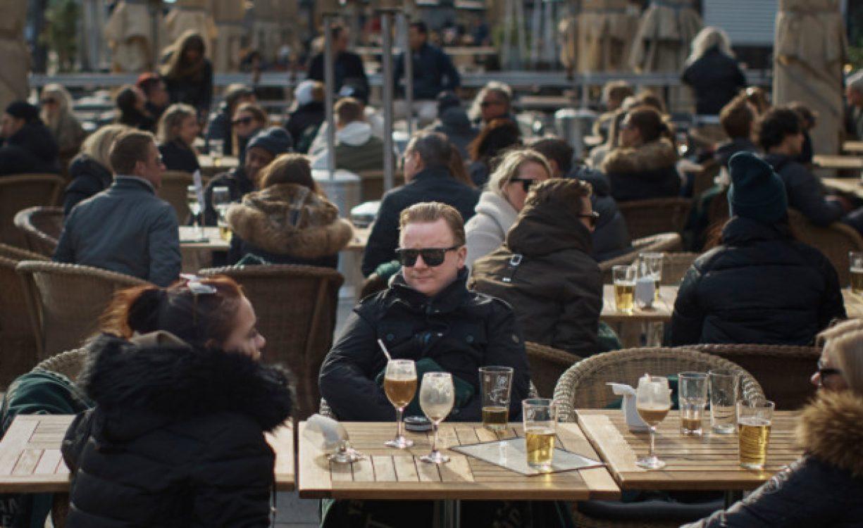 """Κρήτη: Μεγάλη ανησυχία τουριστικών φορέων λόγω του μεγάλου αριθμου κρουσματων – """"Απαράδεκτος ο τρόπος που άνοιξε η εστίαση"""""""
