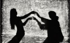 """""""Δύο γυναίκες χορεύουν"""" το Σάββατο 31 Μαρτίου στο Theatre 73100"""